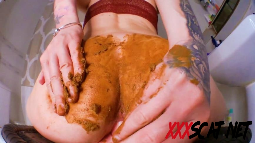 [Special #827] Smearing Shit DirtyBetty Fuck with Dildo 2018 [08.827_BFSpec-827] (FullHD)
